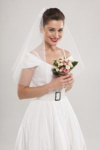 結婚する女性